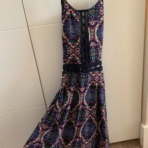 SUMMER DRESS WITH OPEN TIE BACK